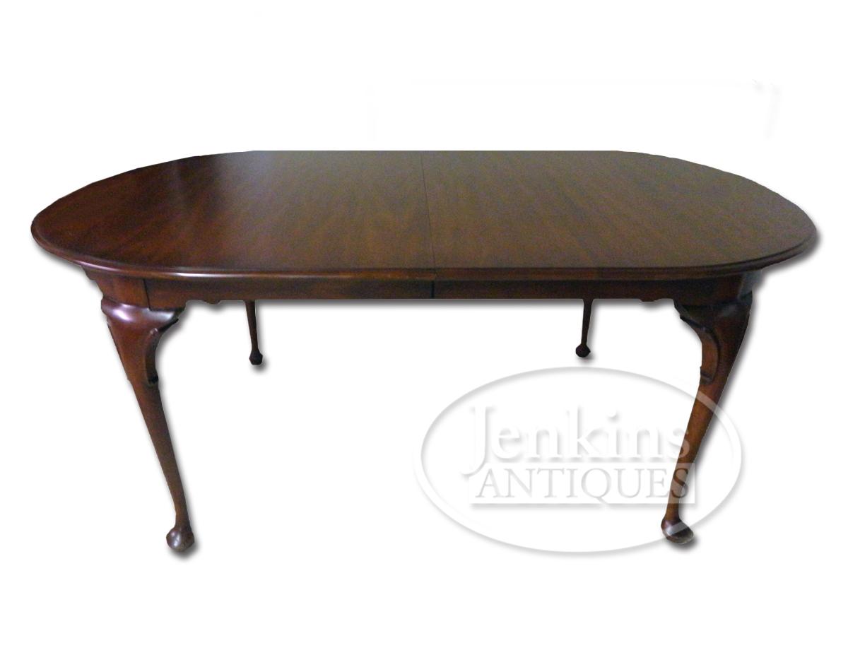 Henkel Harris Queen Anne Cherry Dining Table