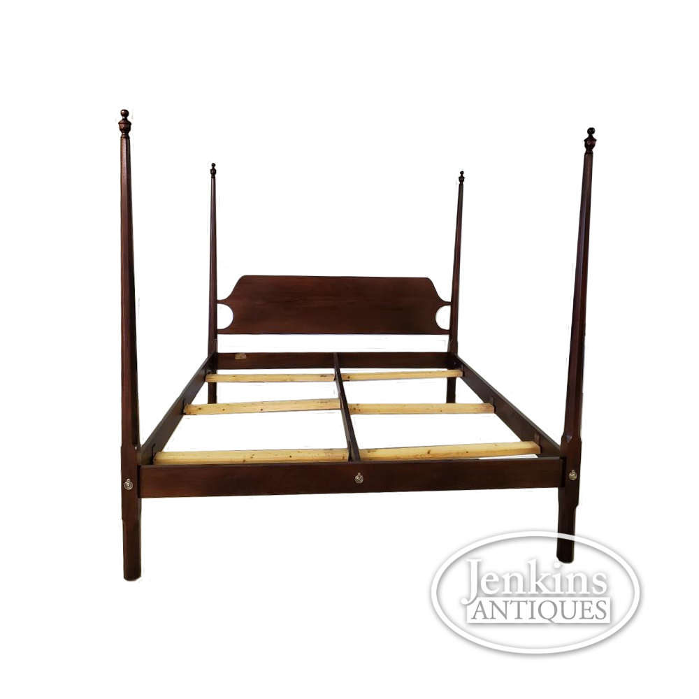 Craftique Pencil Post Bed King